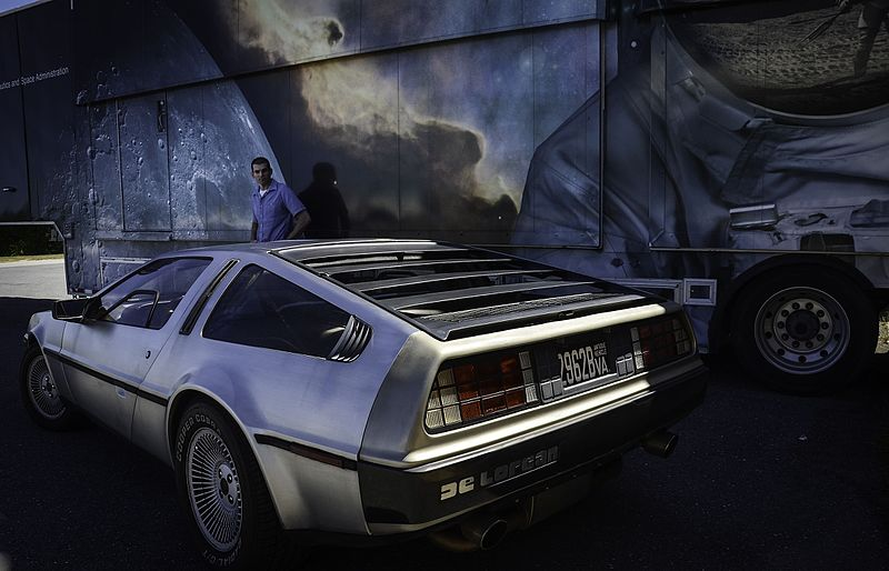 carros-famosos-do-cinema-de-lorean